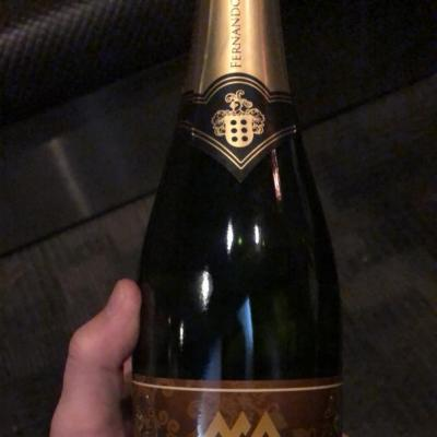 今日の一枚 #MORE  まやです!よろしくお願いします! シャンパン